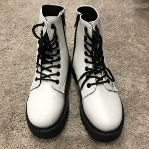 White combat boots sz 6- never worn